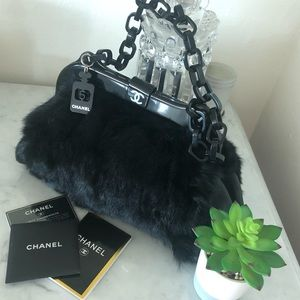 🆕Chanel fur vintage Bag absolutely stunning Rare